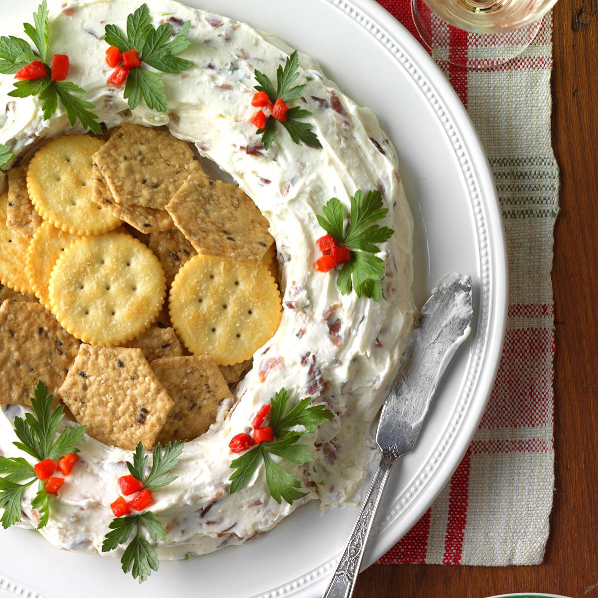Christmas Appetizers Easy  40 Easy Christmas Appetizers