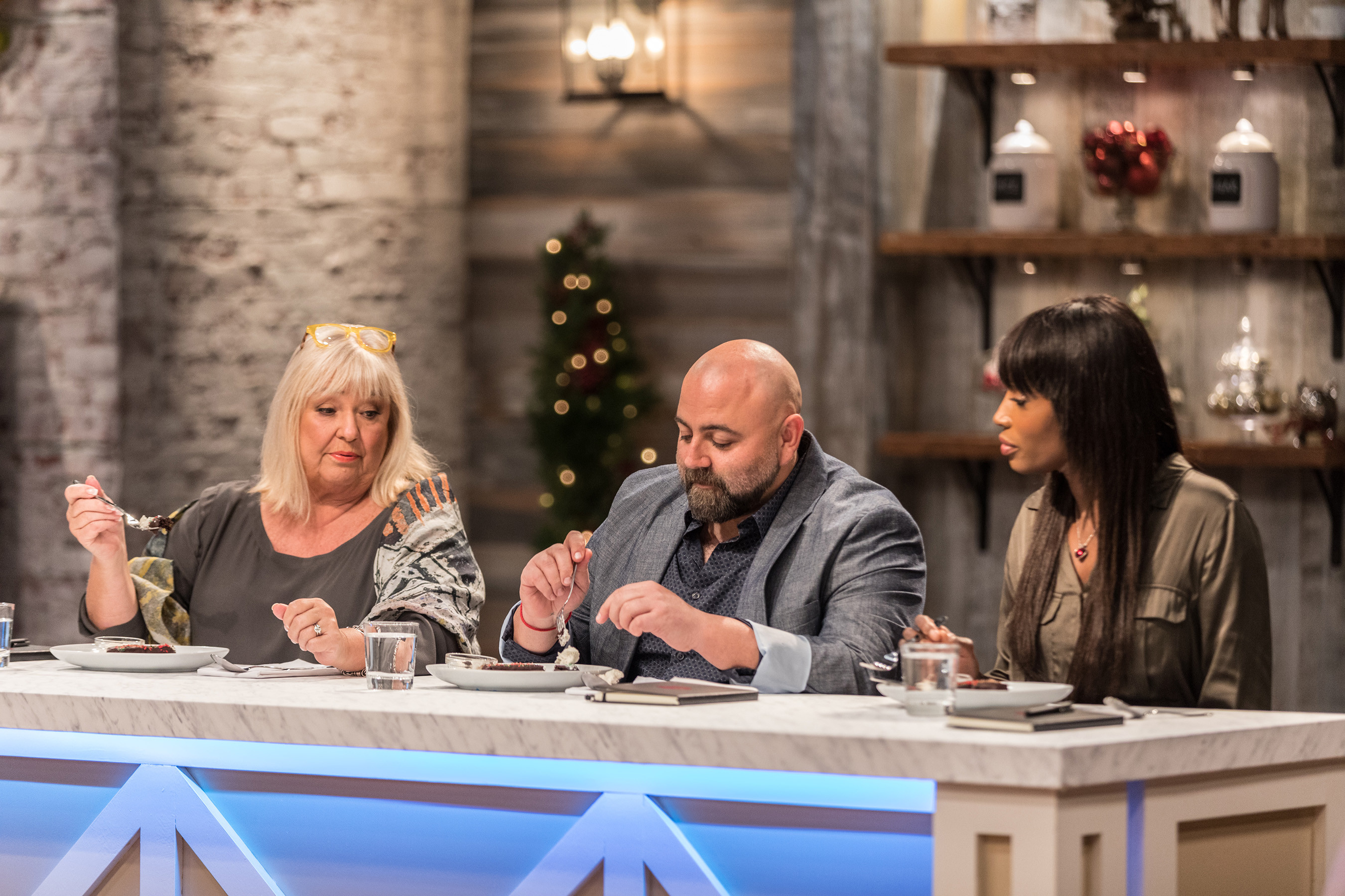 Christmas Baking Championship  Food Network Sweetens Up The Holidays With The Holiday