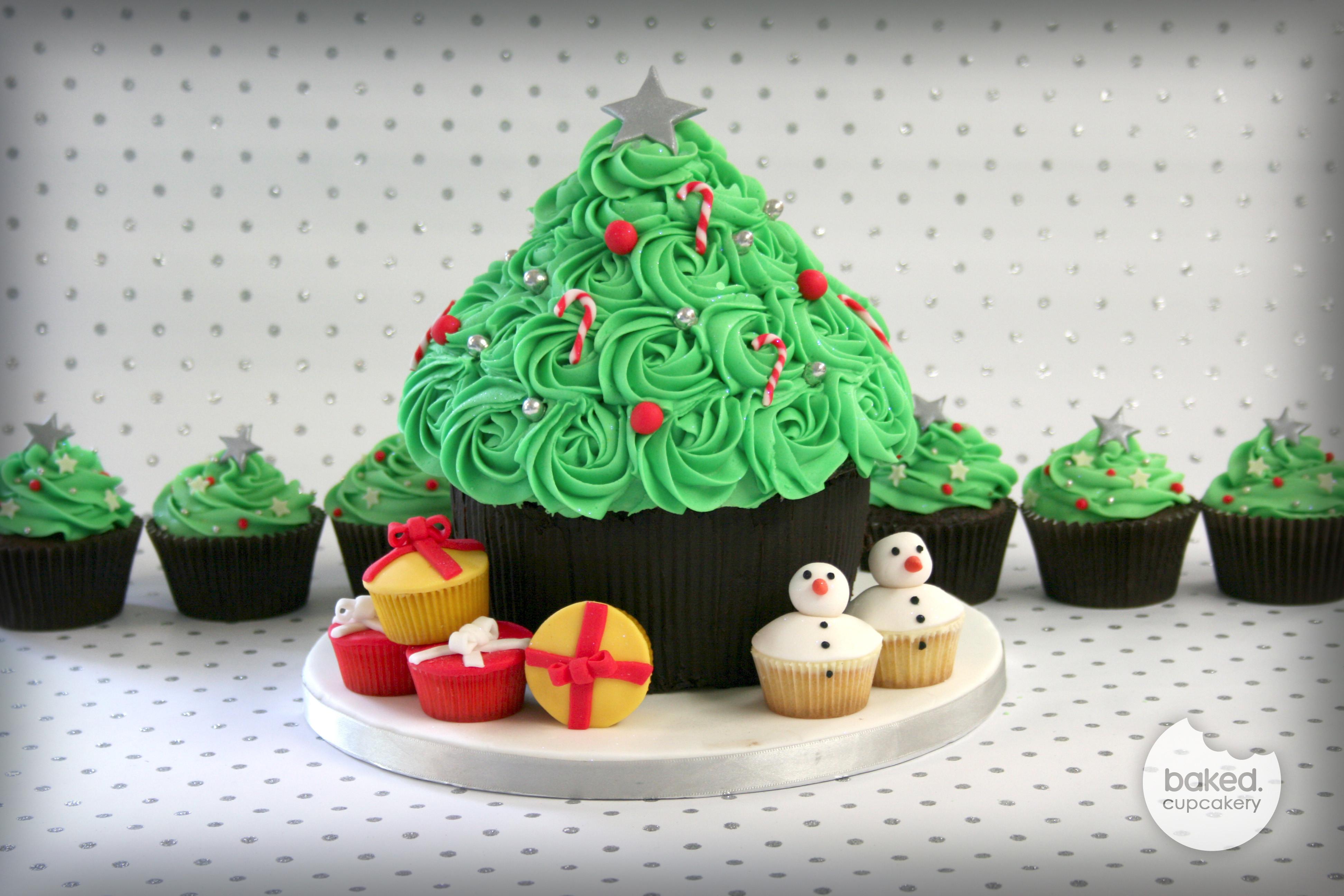 Christmas Cake And Cupcakes  A Cupcake Christmas – Baked