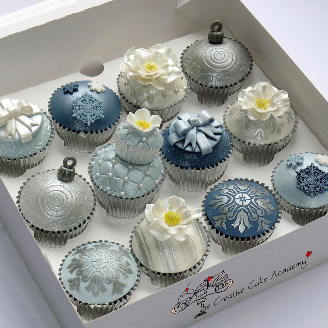 Christmas Cake And Cupcakes  National Cupcake Week