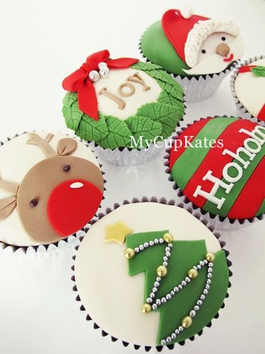 Christmas Cake And Cupcakes  17 Best images about Christmas Cupcakes on Pinterest