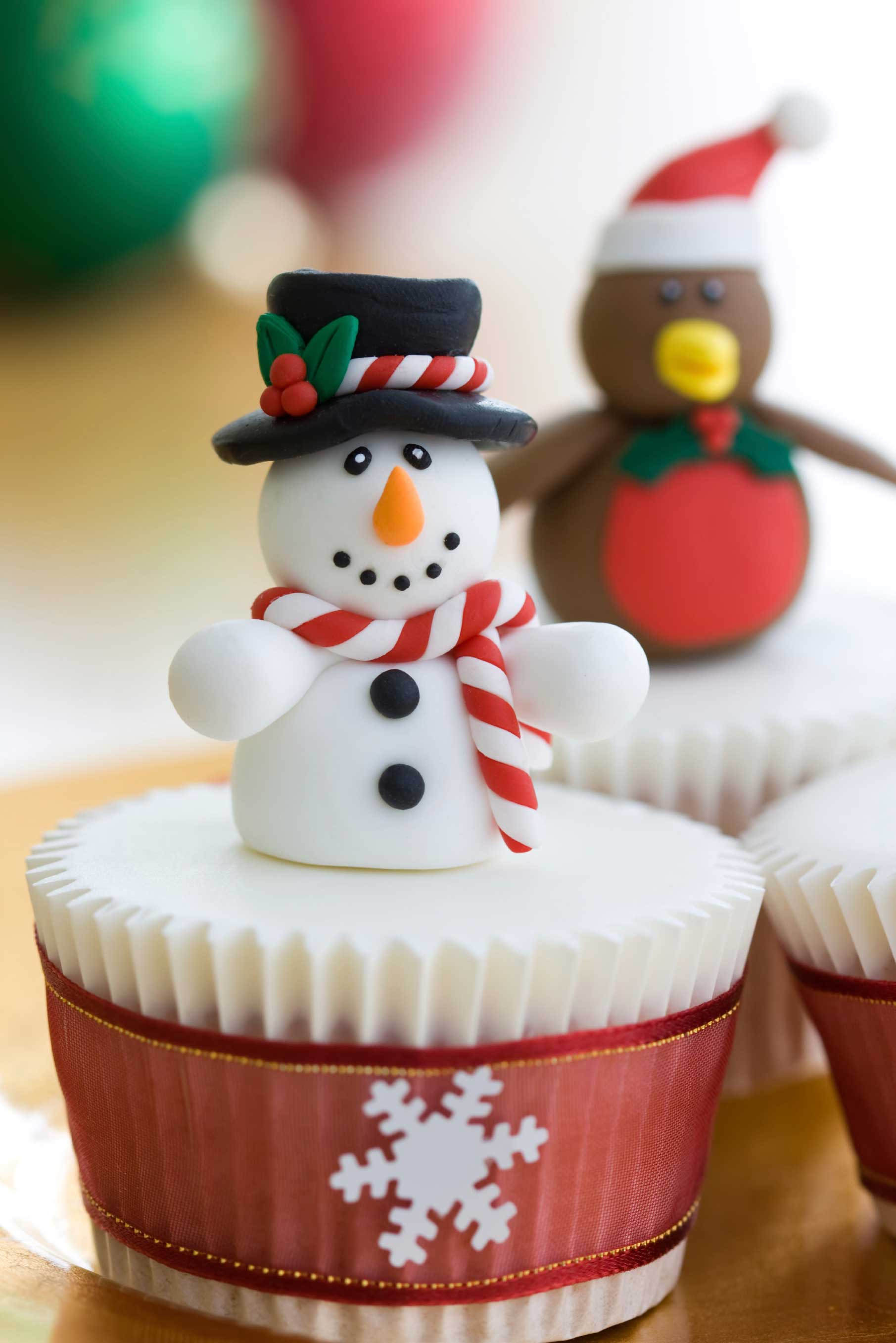Christmas Cake And Cupcakes  Christmas Cakes & Baking Gallery Pink Frosting Party Ideas