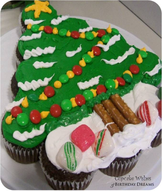 Christmas Cake And Cupcakes  Cupcake Wishes & Birthday Dreams Day 12 12 Days of