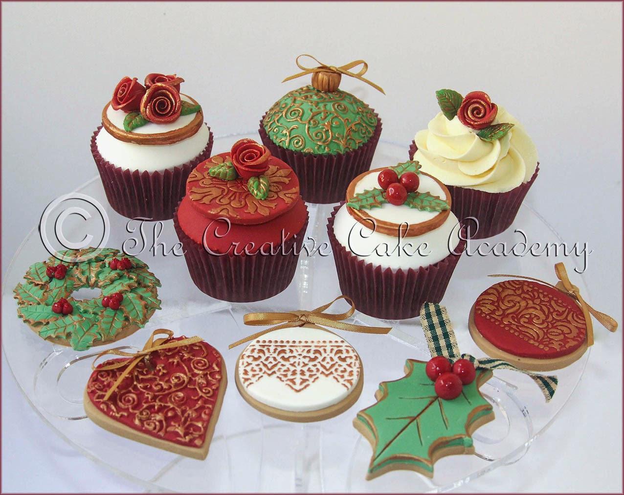 Christmas Cake And Cupcakes  The Creative Cake Academy