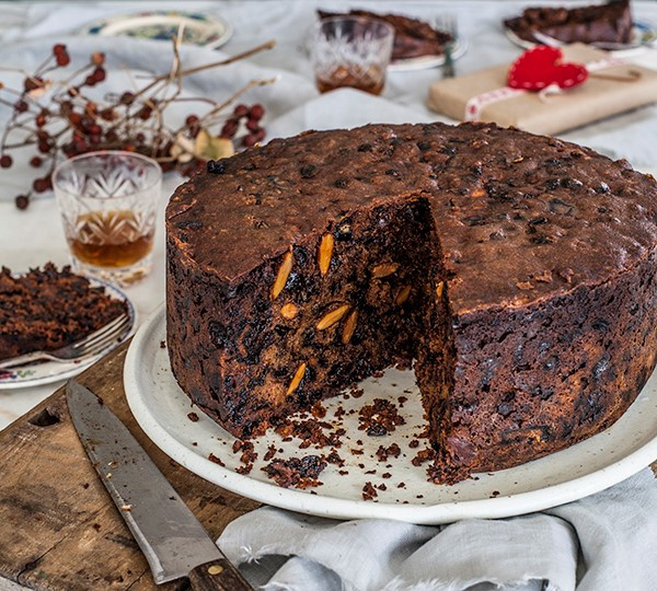 Christmas Cake Recipe  Overnight Christmas Cake Annabel Langbein – Recipes