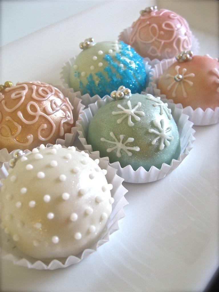 Christmas Cakes Flavors  Ornament Cake Balls