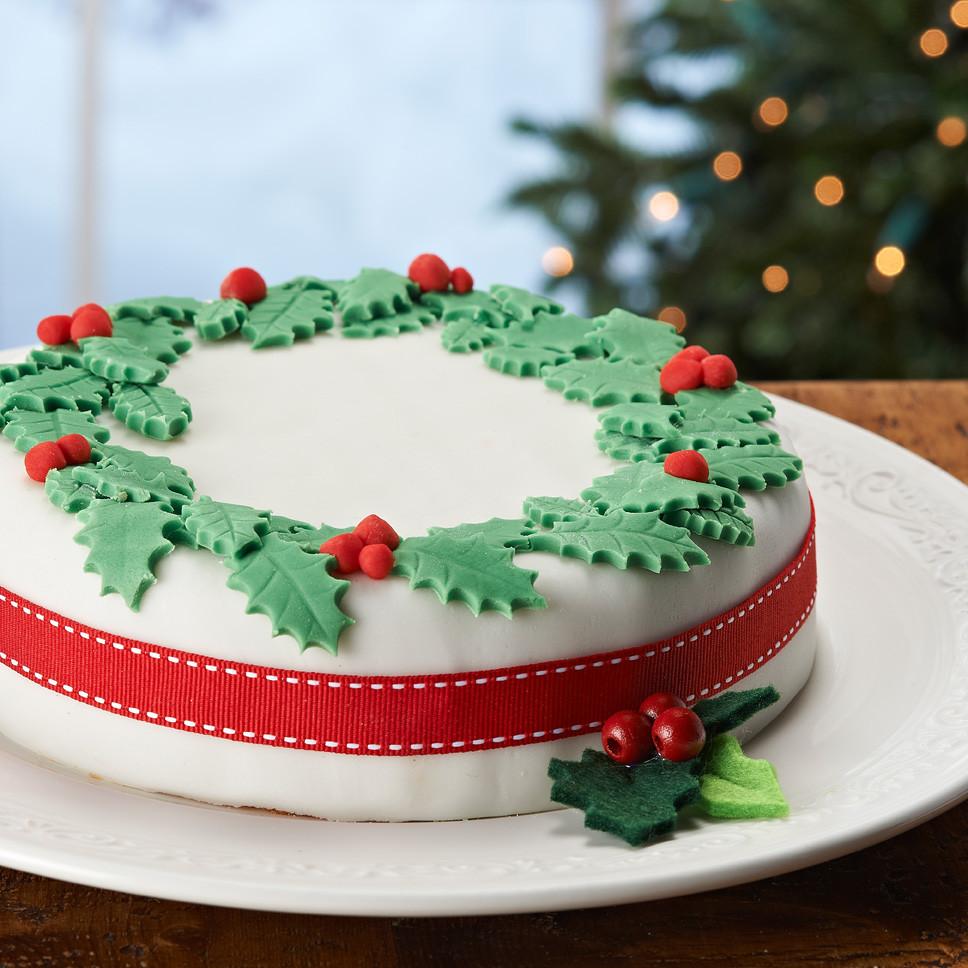 Christmas Cakes Images  Lynda Jane Cakes Christmas Cake Decoration