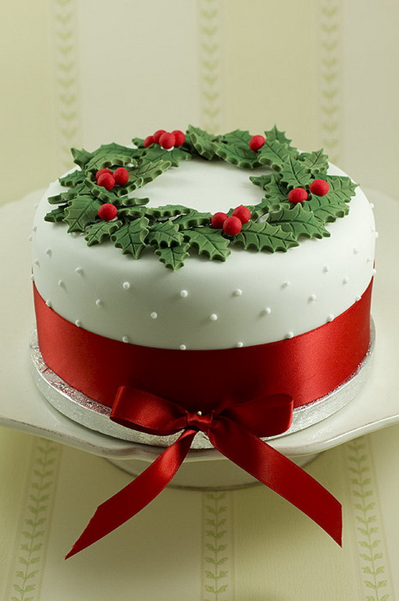 Christmas Cakes Pictures  11 Awesome And Easy Christmas cake decorating ideas