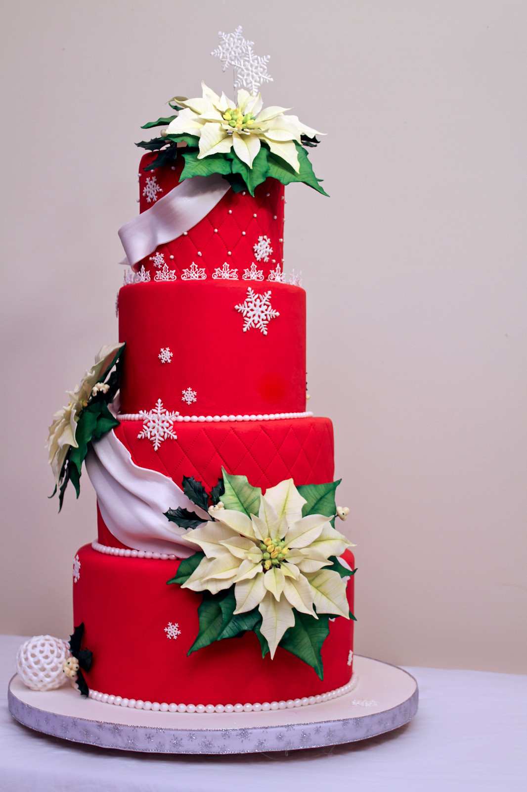 Christmas Cakes Pictures  The Cake Engineer Holiday Poinsettia Cake
