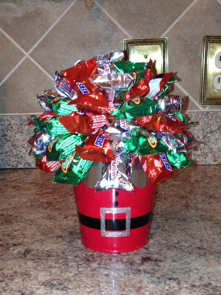 Christmas Candy Baskets  Best 25 Mini alcohol bouquet ideas on Pinterest