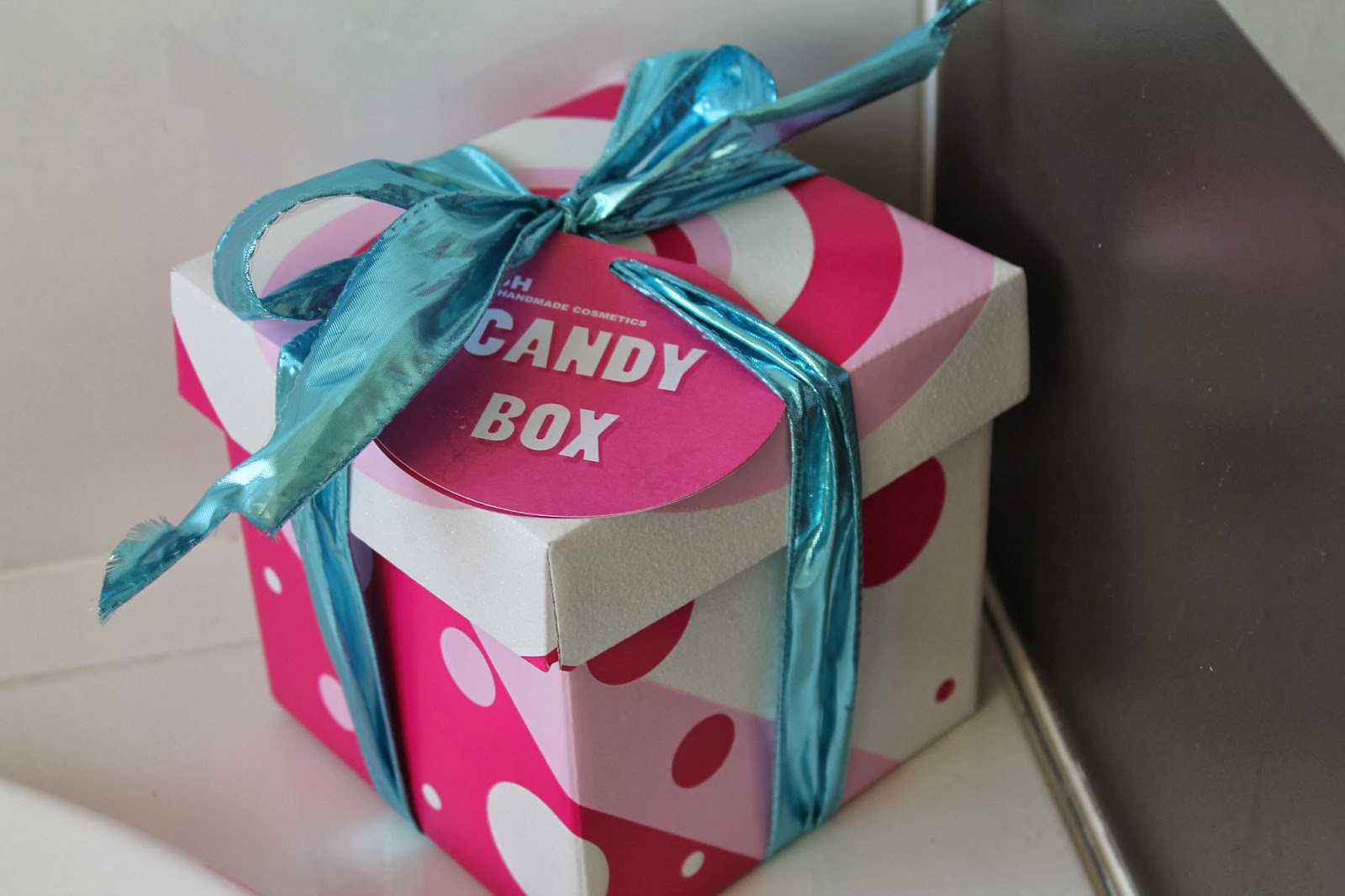 Christmas Candy Boxes  xobeautyheartxo Review Lush Christmas Candy Box