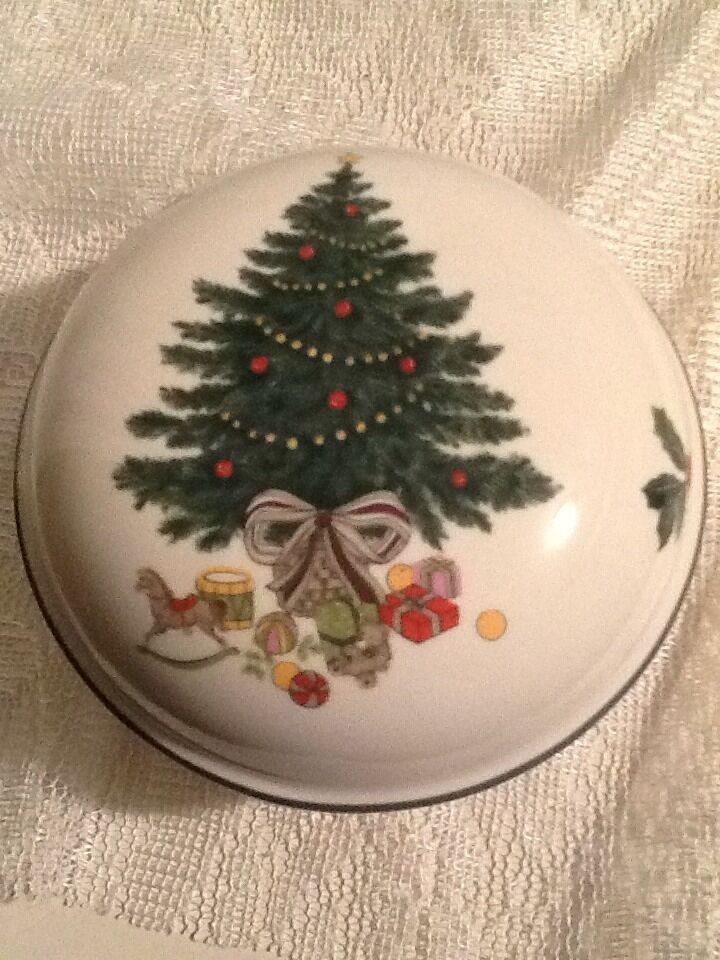Christmas Candy Dish With Lid  MIKASA HERITAGE CAB08 CHRISTMAS STORY Candy Trinket Dish