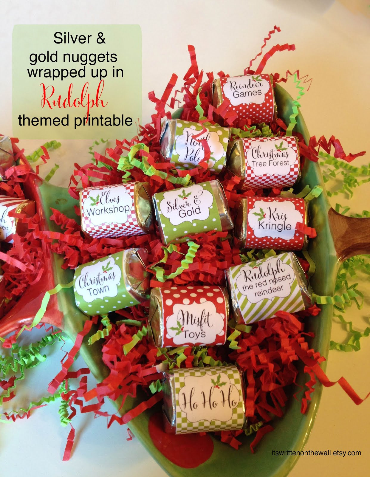 Christmas Candy Favors  It s Written on the Wall Merry Kiss Mas Tags for Stocking