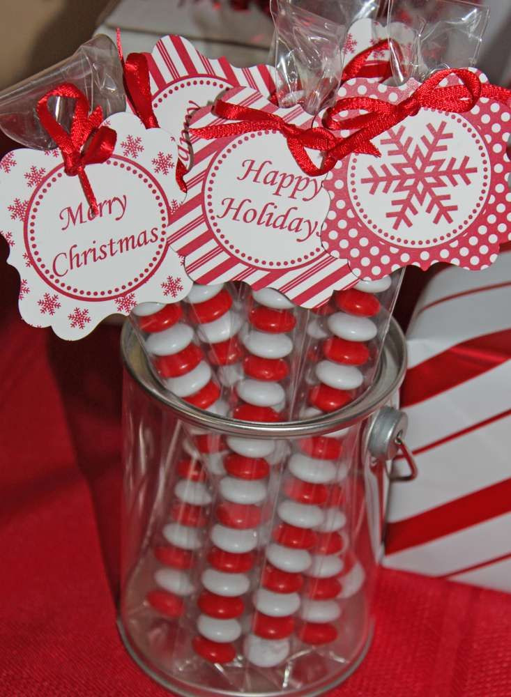 Christmas Candy Favors  1000 ideas about Candy Party Favors on Pinterest