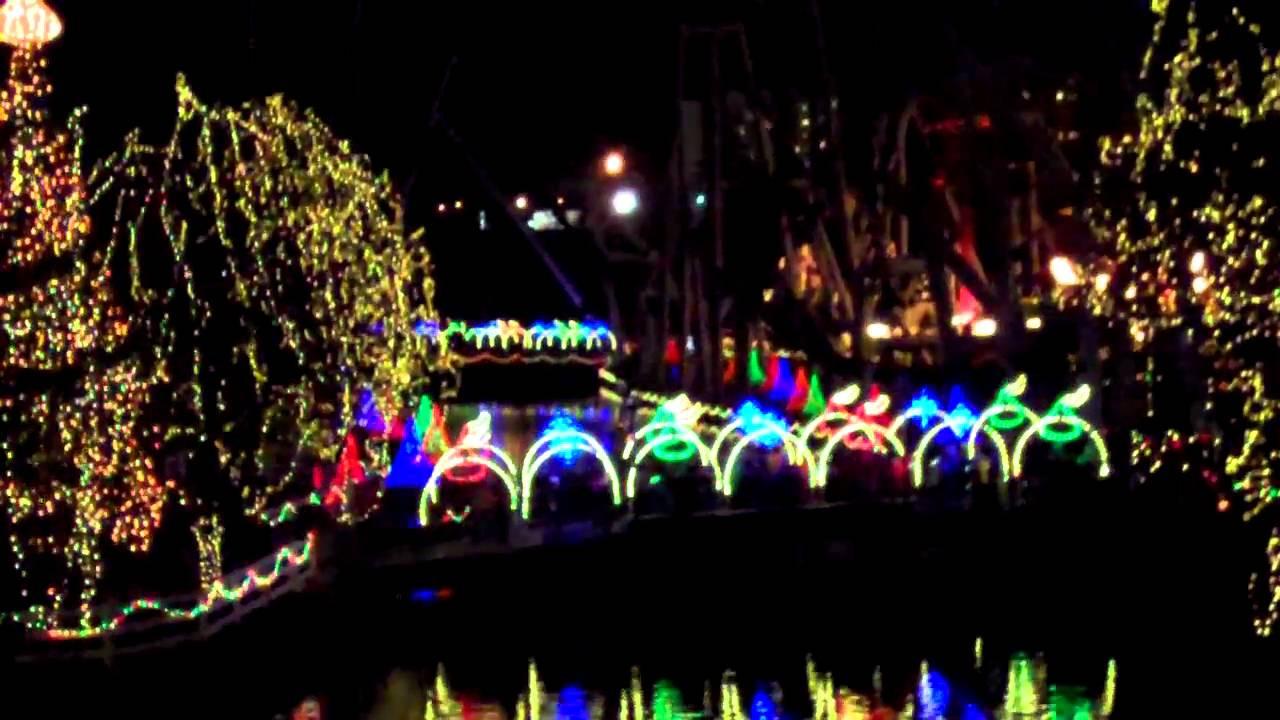 Christmas Candy Lane  Hersheypark Christmas Candylane NOEL LIght Show Jingle