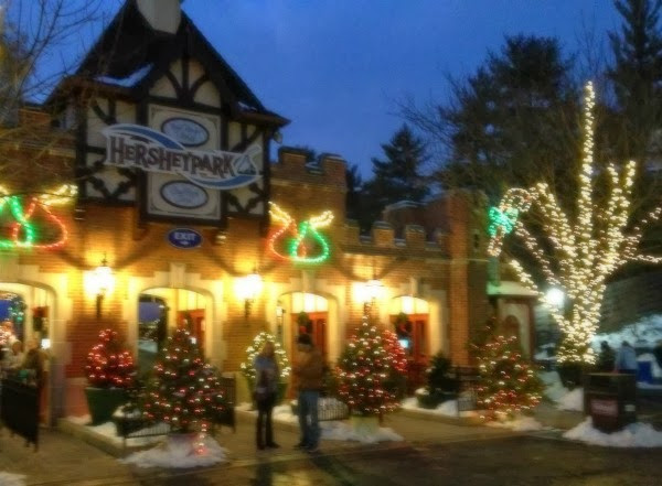 Christmas Candy Lane  Musing Momma Hersheypark Christmas Candylane My Toes Are