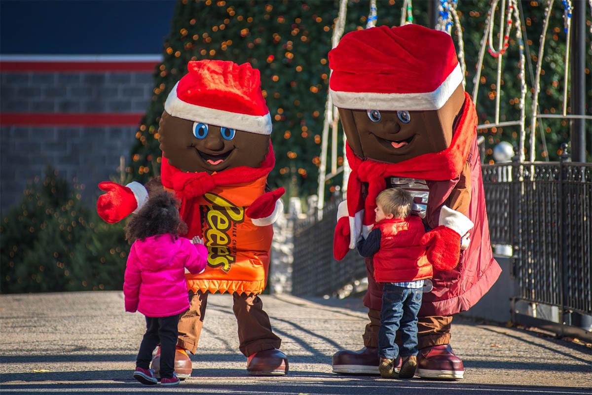Christmas Candy Lane Hours  Hersheypark s Christmas Candylane 2017 Begins Coaster101
