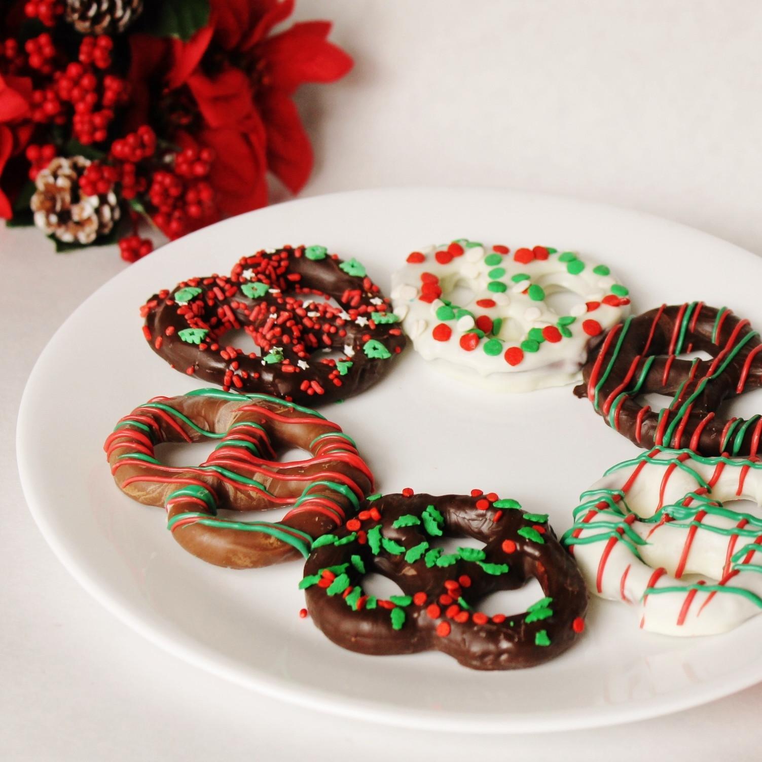 Christmas Chocolate Covered Pretzels  Christmas Chocolate Covered Pretzels Knots