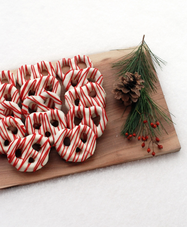 Christmas Chocolate Pretzels  Chocolate Covered Pretzels – Christmas Style The