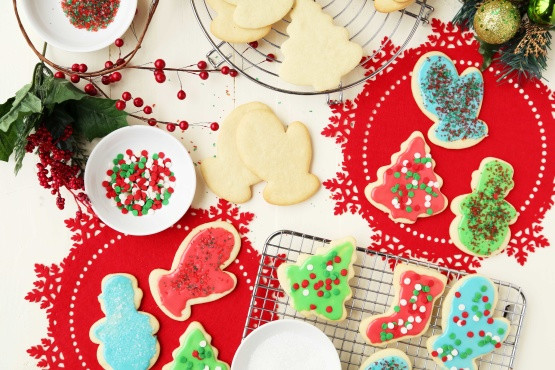 Christmas Cookie Icing That Hardens  Kittencals Buttery Cut Out Sugar Cookies W Icing That