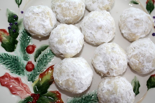 Christmas Cookies With Nuts  Busy Mom Recipes Powdered Nut Balls