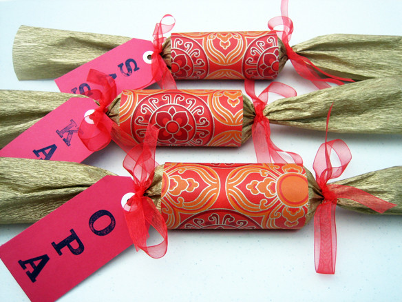 Christmas Crackers Diy  DIY Christmas crackers