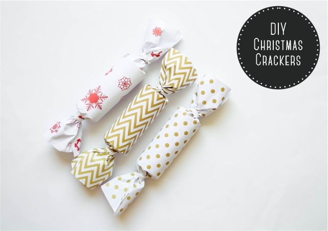 Christmas Crackers Diy  DIY Christmas Crackers Plus Free Printables – Bobs & Rouge