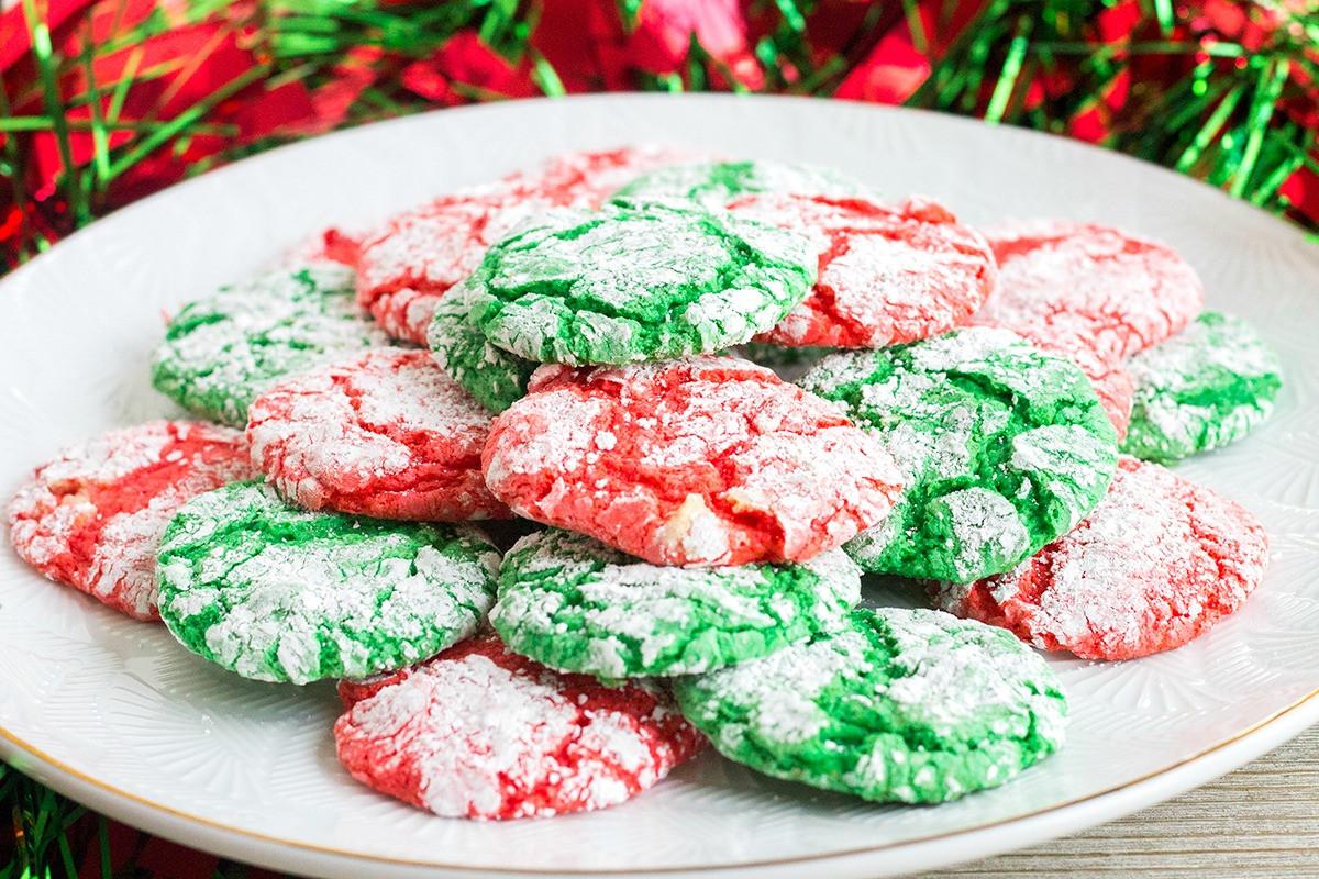 Christmas Crinkle Cool Whip Cookies  Christmas Crinkle Cool Whip Cookies • Bread Booze Bacon