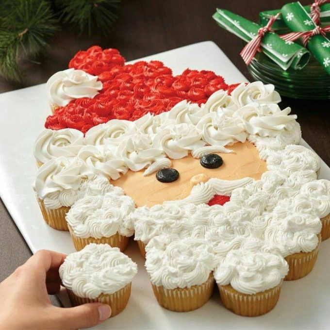 Christmas Cup Cakes Designs  Best 25 Christmas cakes ideas on Pinterest
