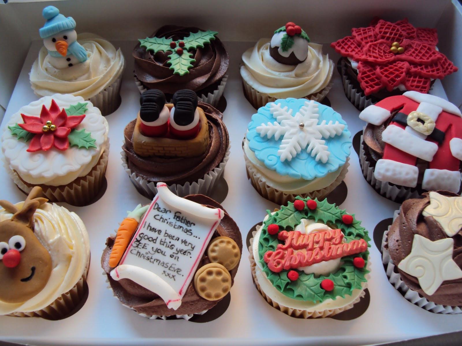 Christmas Cup Cakes Designs  dessert