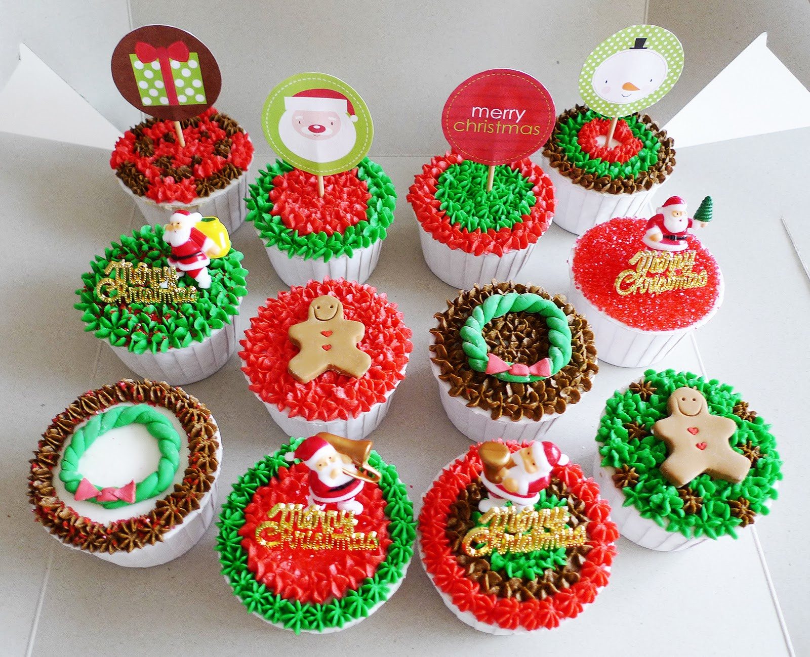 Christmas Cup Cakes Designs  Christmas Designs