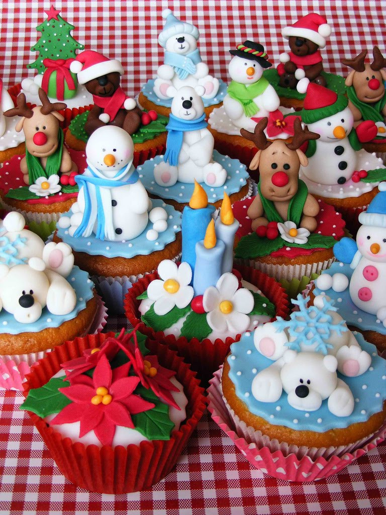 Christmas Cupcakes Cakes  Cute Cupcakes All The Time Holiday Cupcakes Snowmen