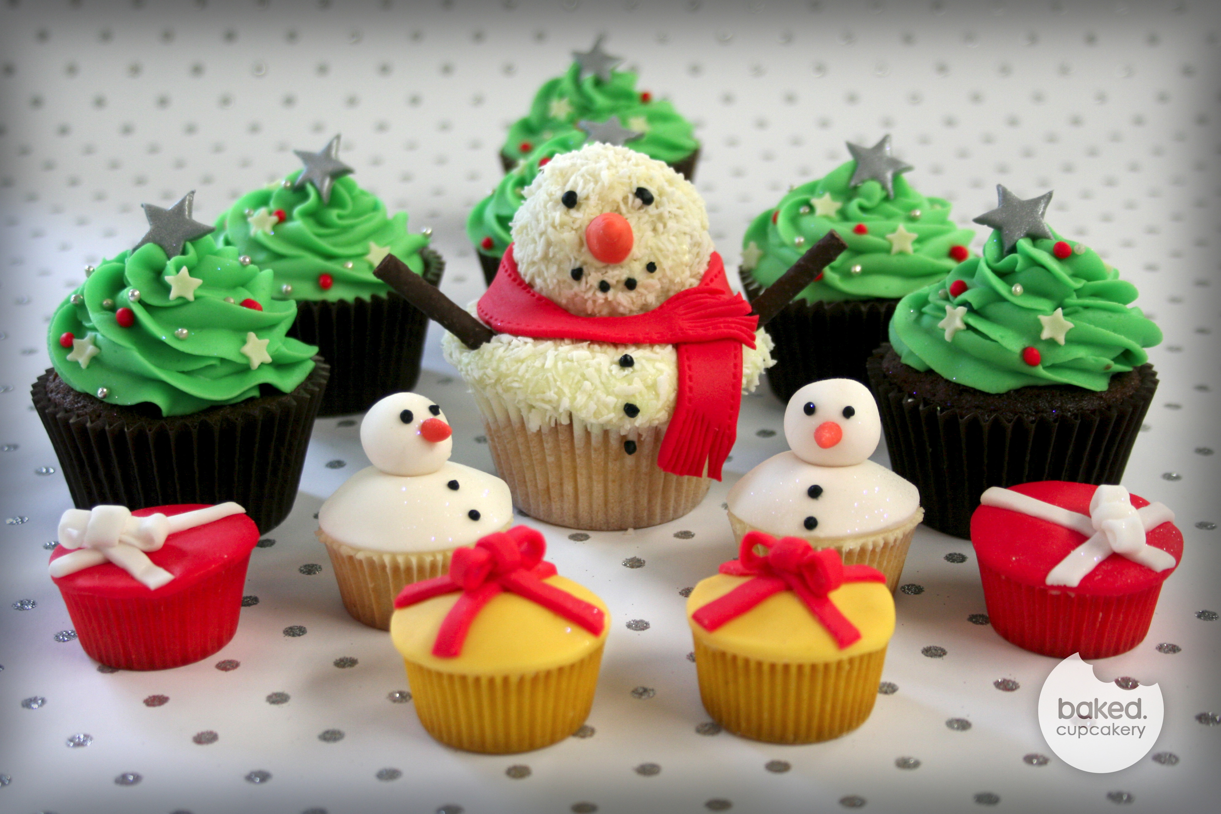 Christmas Cupcakes Images  Christmas cupcakes – Baked