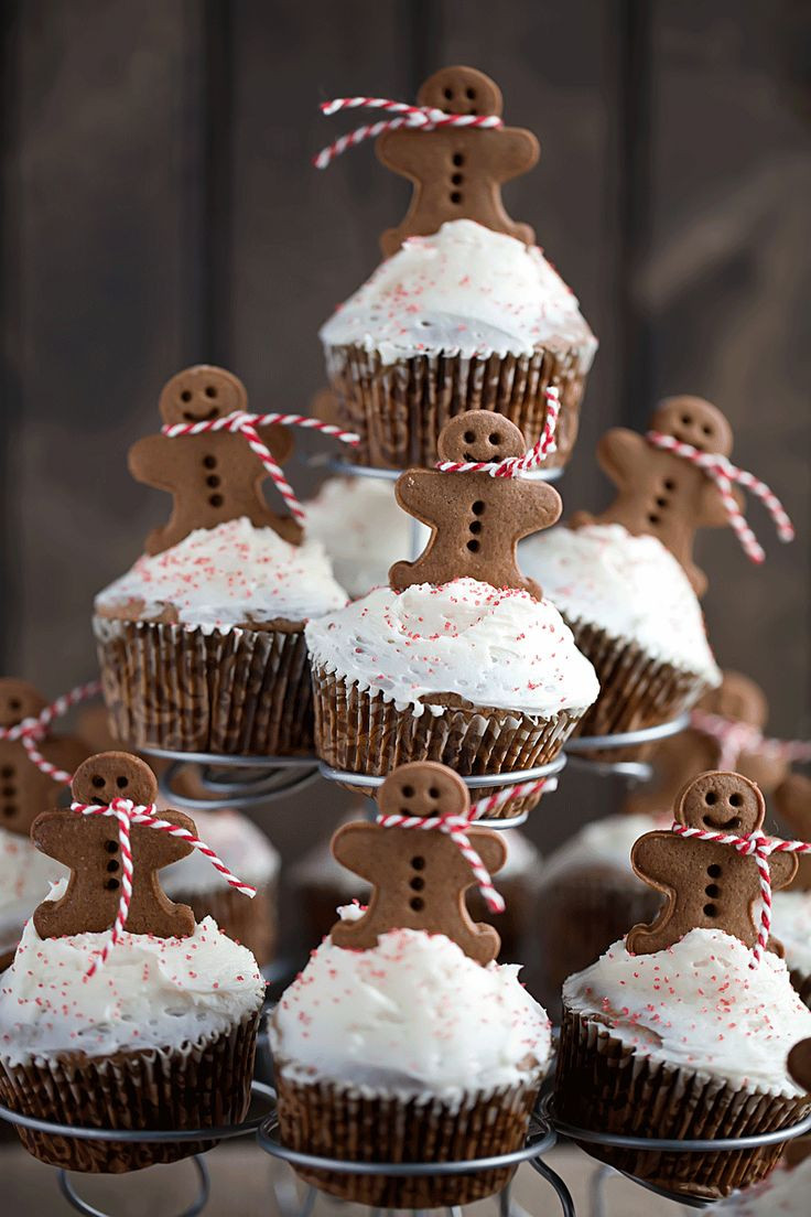 Christmas Cupcakes Pinterest  472 best Gingerbread House images on Pinterest