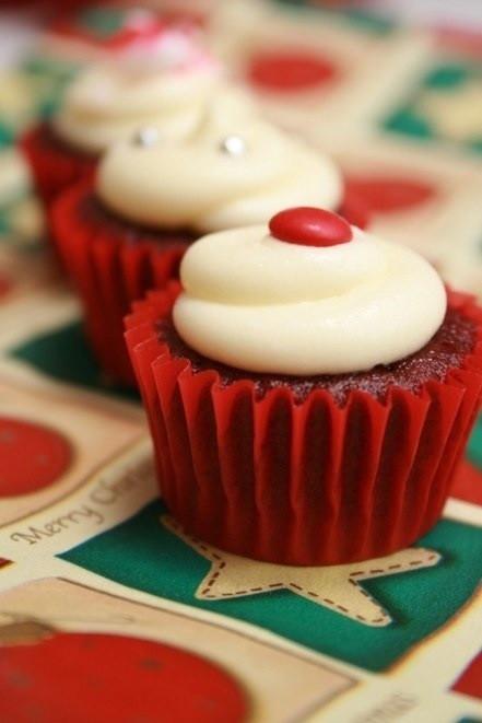 Christmas Cupcakes Pinterest  Christmas cupcakes on pinterest