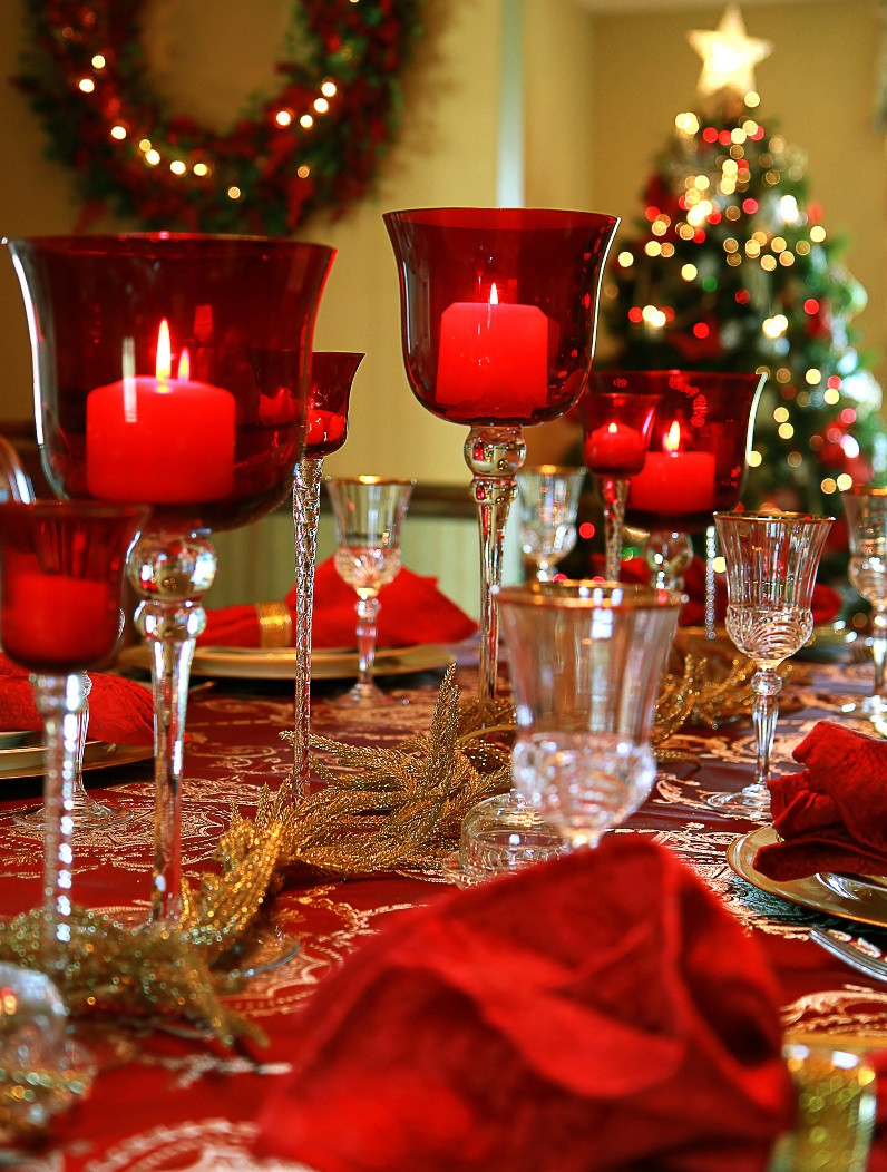 Christmas Dinner Table Decorations  40 Christmas Table Decors Ideas To Inspire Your Pinterest