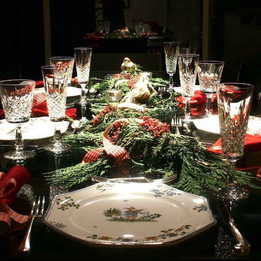 Christmas Dinner Table Decorations  Modern Thrill A love letter to modern culture