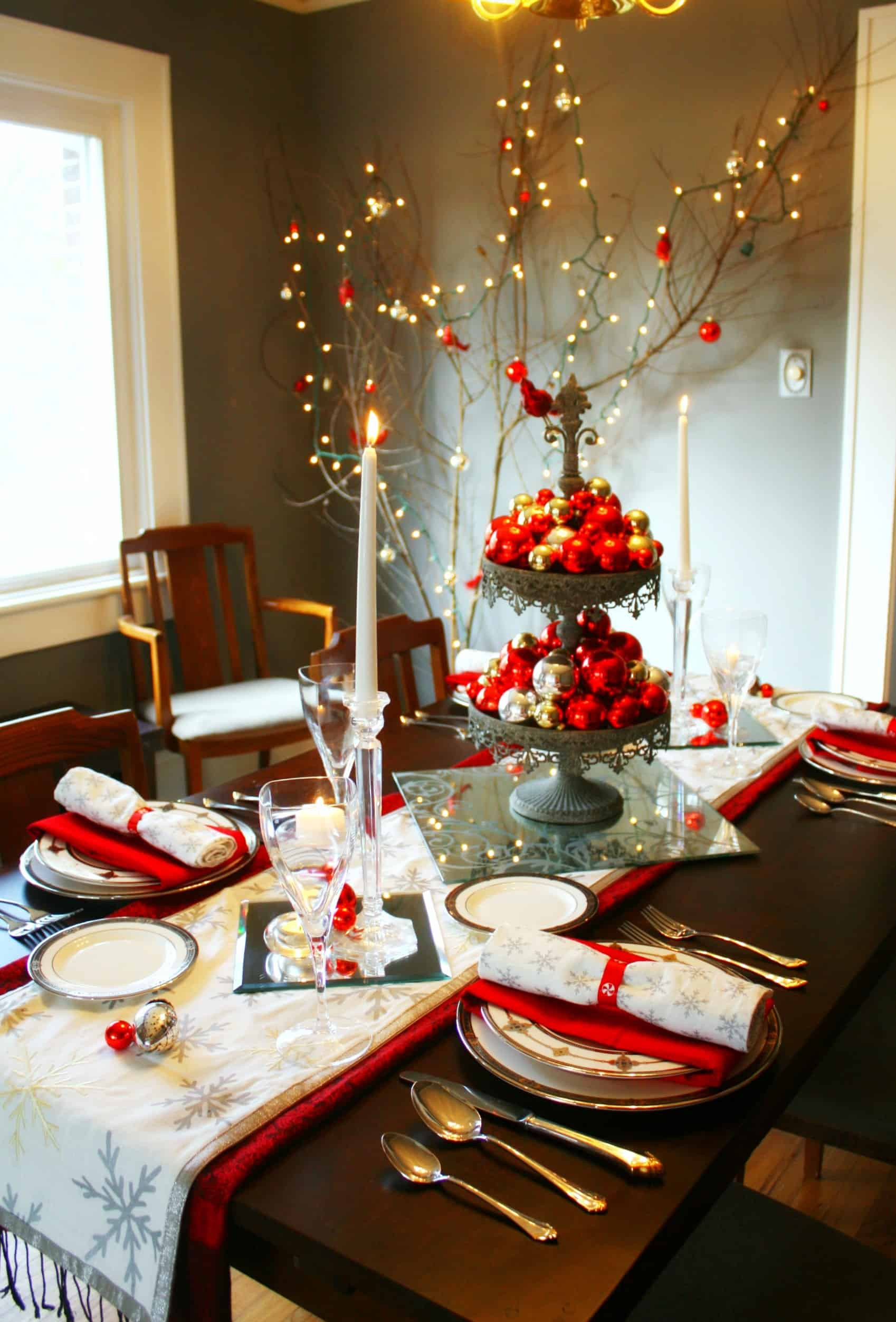 Christmas Dinner Table Decorations  20 Wonderful Christmas Dinner Table Settings For Merry