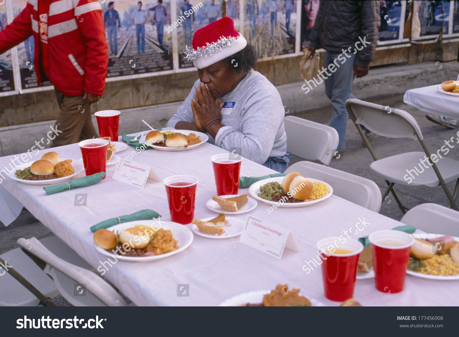 Christmas Dinners Los Angeles  A Woman Giving Thanks For Her Christmas Dinner Los