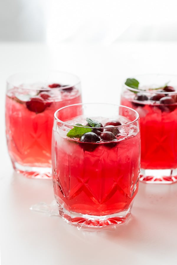 Christmas Drinks With Vodka  Sparkling Cranberry Vodka Punch