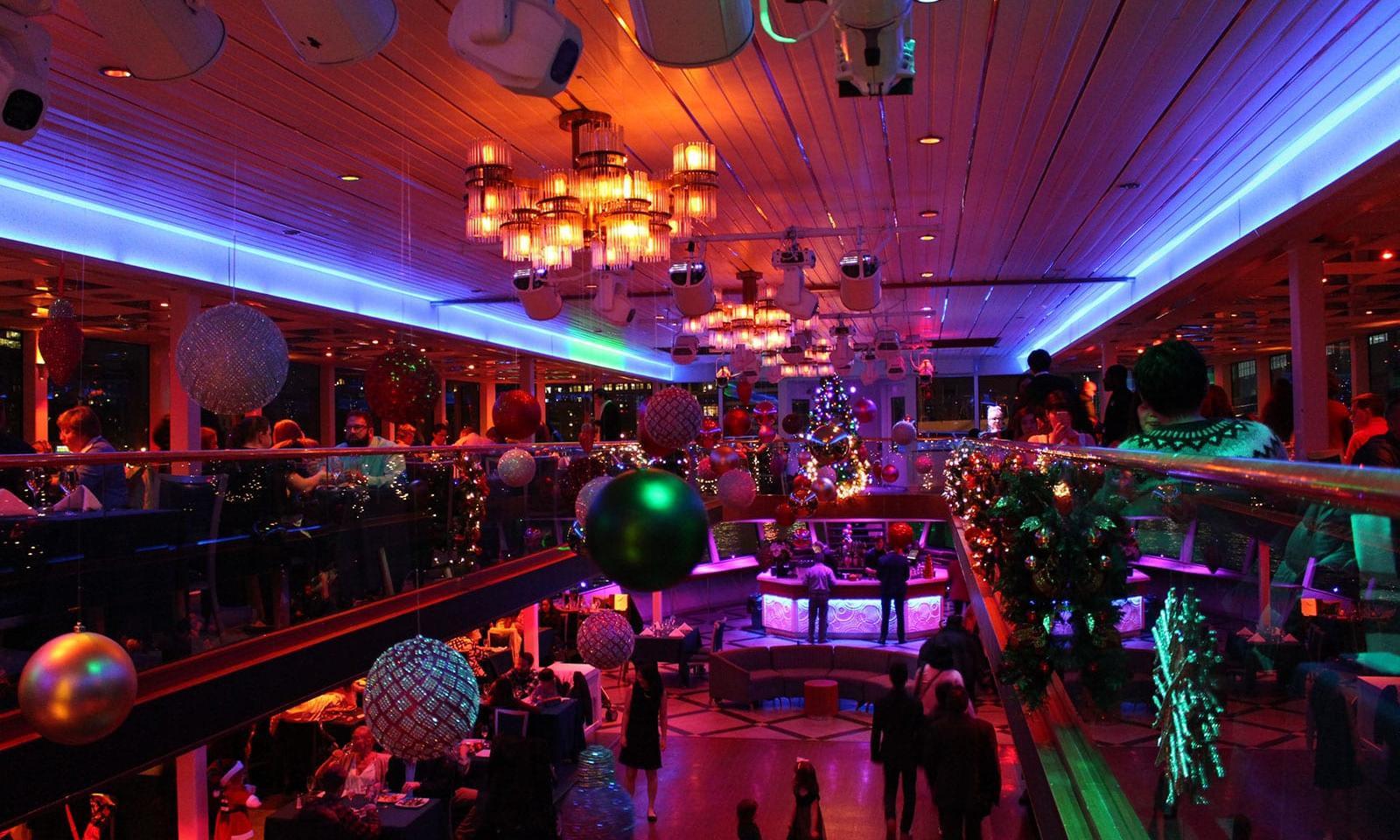 Christmas Eve Dinner Nyc  Hornblower New York Christmas Dinner Cruise Loving New