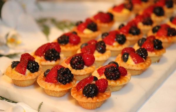 Christmas Fruit Desserts  The Most Impressive Christmas Dessert Ideas