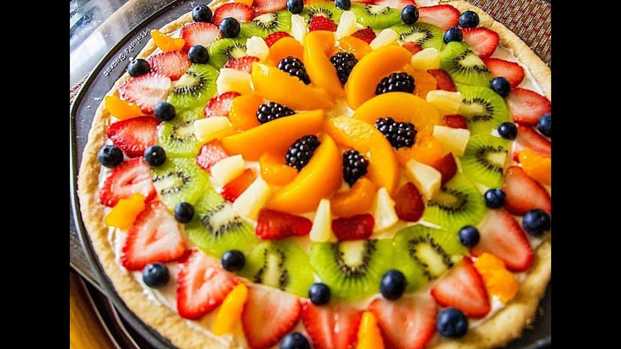 Christmas Fruit Desserts  How To Make a Fruit Pizza Christmas Dessert Ideas