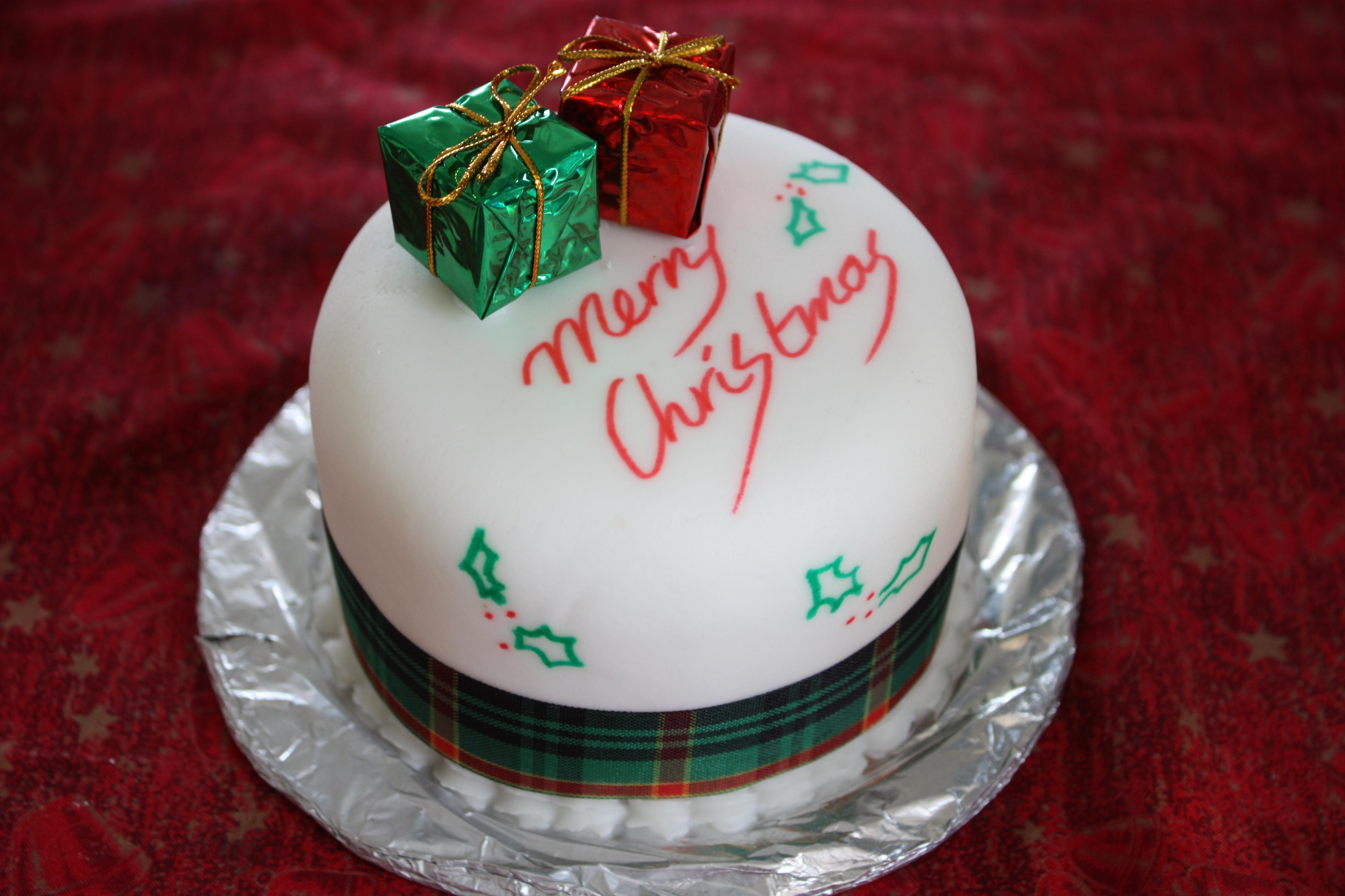 Christmas Holiday Cakes  File Christmas cake Boxing Day 2008
