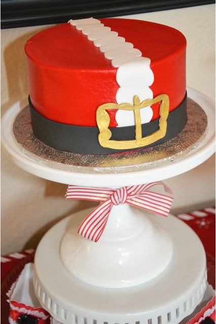 Christmas Holiday Cakes  Best 25 Santa cake ideas on Pinterest