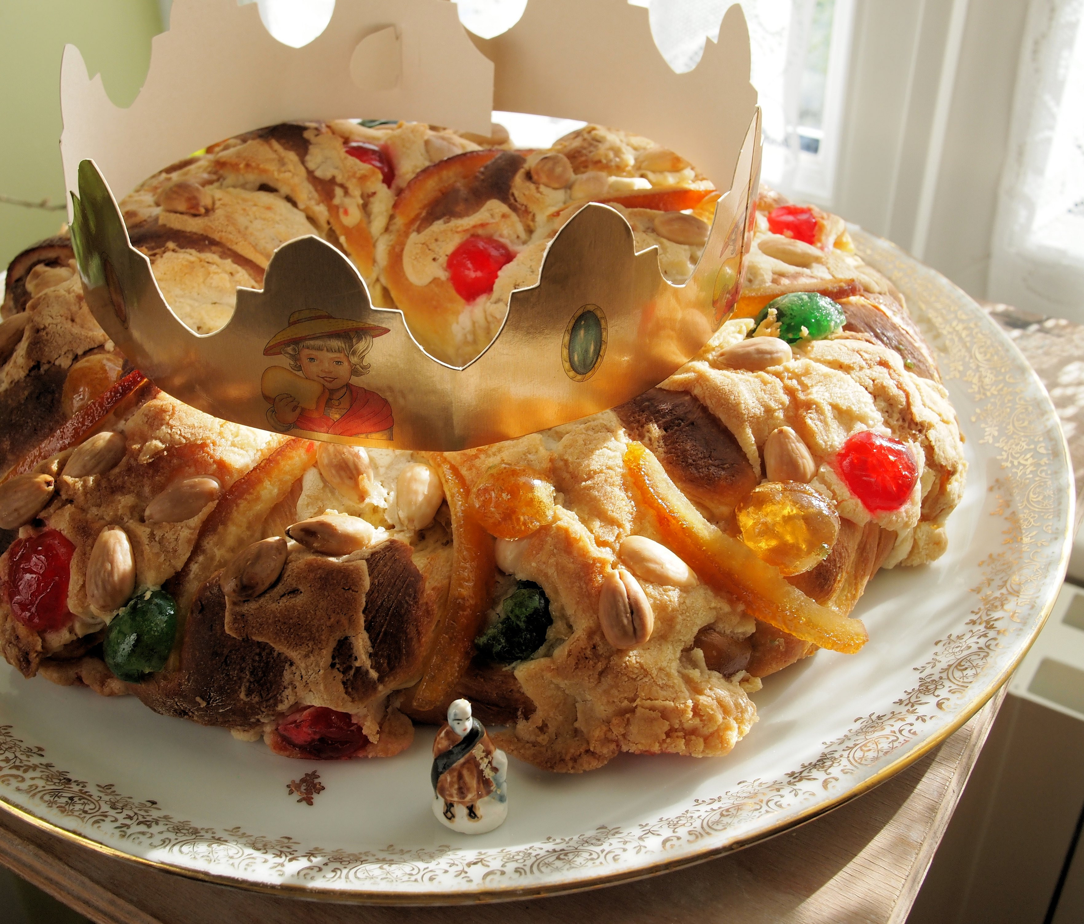 Christmas King Cakes  Twelfth Night Epiphany and Delicious Bread King Cake