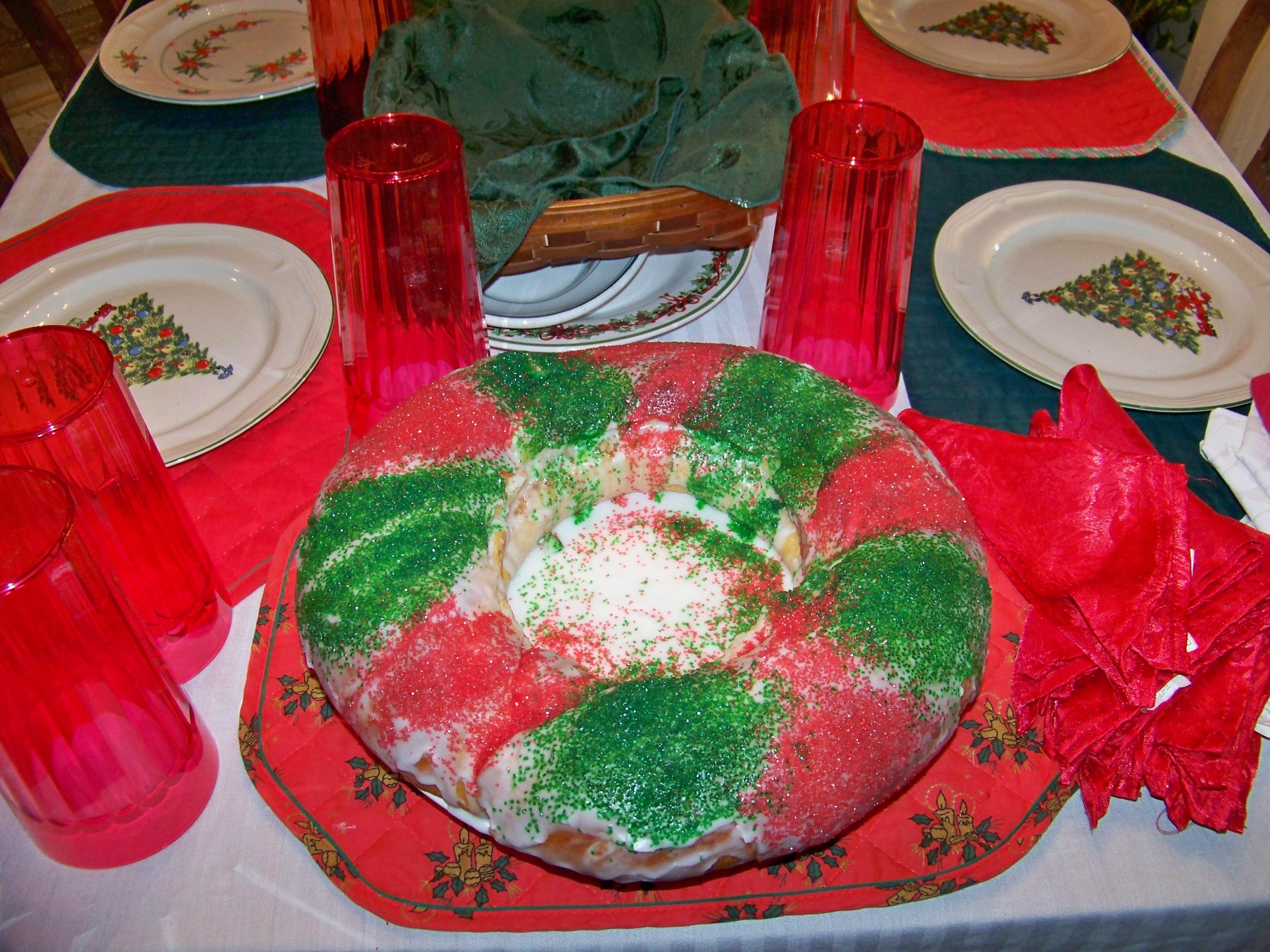 Christmas King Cakes  Christmas King Cake – Jesus Is The King of Kings Cake