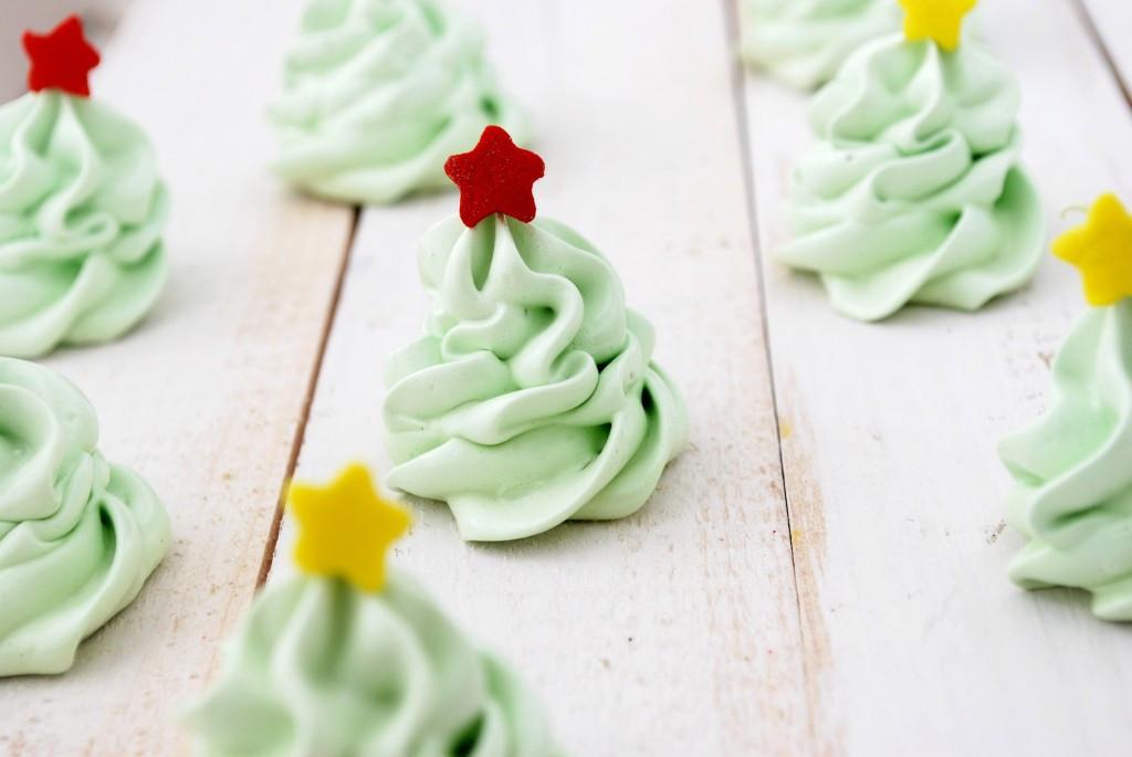 Christmas Meringue Cookies  Christmas Tree Meringue Cookies Recipe