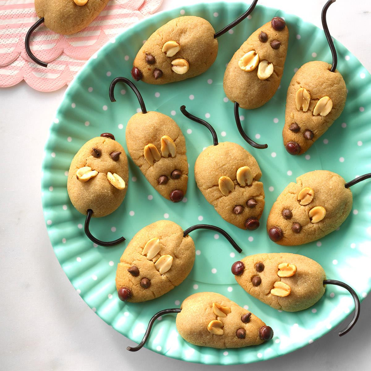 Christmas Mice Candy  Peanut Butter Christmas Mice Recipe