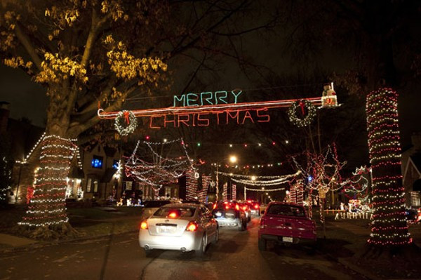 Christmas On Candy Cane Lane  St Louis Hills Holiday Light Display Keeps Growing and